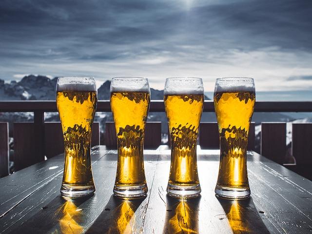 ¿Por que la cerveza engorda?
